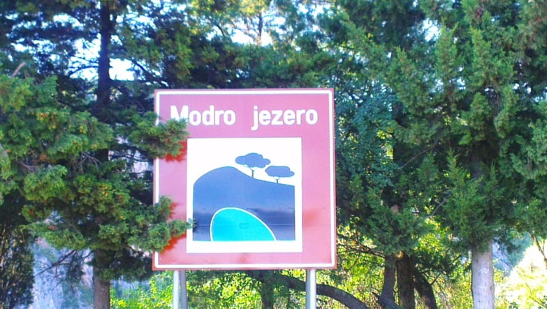 roter und blauer see imotski kroatien
