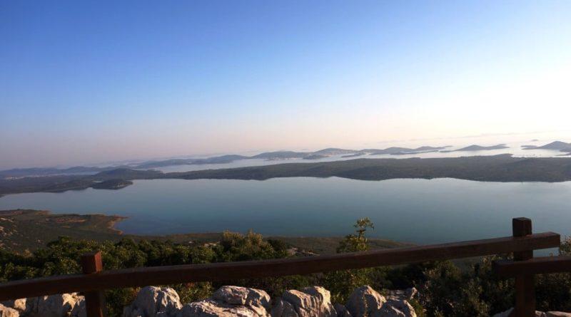 Blick von vransko jezero und kamenjak